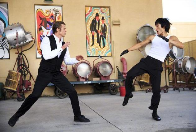 《好萊塢往事》中的李小龍(右)