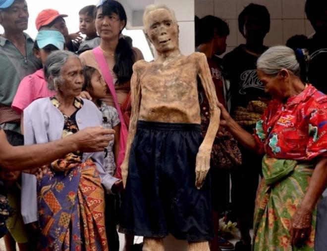 实拍印尼恐怖祭祀仪式做暖小视频xo免费小泽玛利亚全集,竟将亲人尸骨挖出装扮!(4)