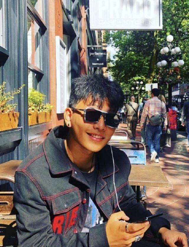 陈坤17岁儿子陈尊佑正脸照,颜值长相随母亲,你们能猜出是谁吗?