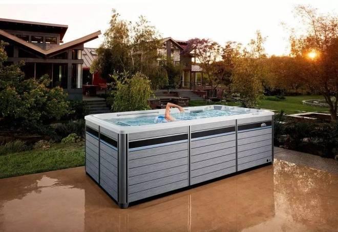 这个泳池只有10平左右大,但是你好像永远游不到头(3)